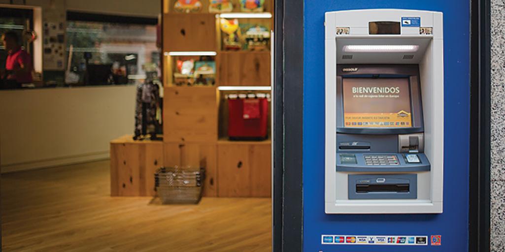 Los comercios con cajeros automático obtienen más ingresos.